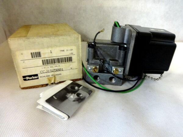 NEW IN BOX PARKER CCJ1S25B01 120V  SOLENOID VALVE 4-WAY  COIL 1/4